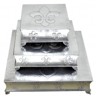 80069 - SQUARE HAMMERED FDL CAKE PLATEAU SET/3